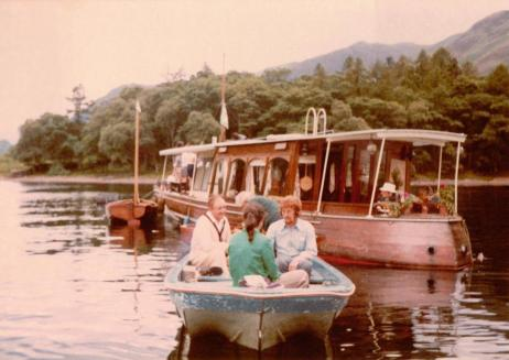 Ronald Fraser being transported to the Houseboat