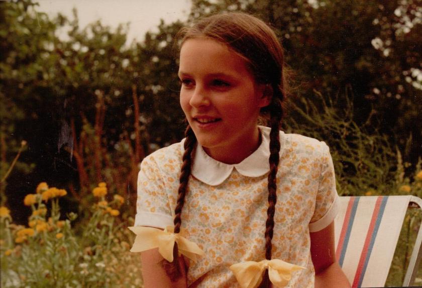 Caroline Downer as Dot Callum