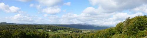 Hill Top - Panorama 16-lr