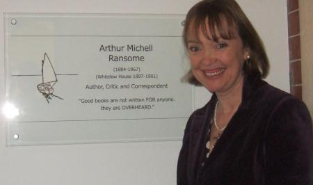 Sophie Neville having unveiled the plaque to Arthur Ransome at Rugby School