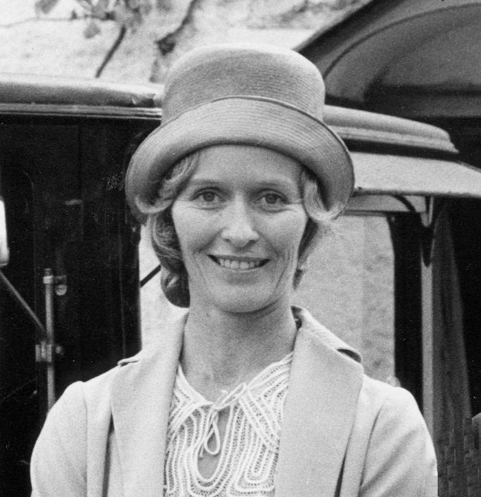 Virginia McKenna playing Mrs Walker