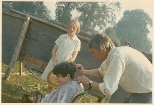 Cutting Sten's hair