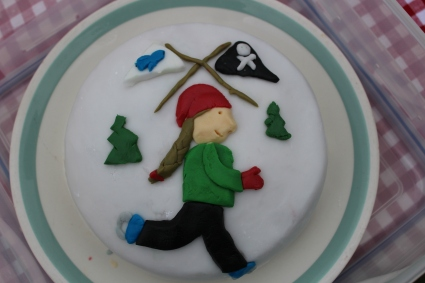 Winter holiday cake - Dorothea skating