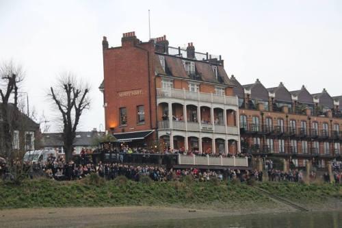 The White Hart pub on the Thames